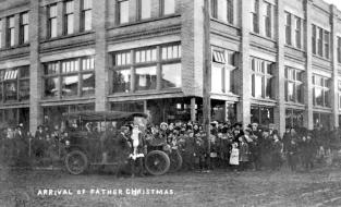 """""""""""Arrival of Father Christmas""""; Duncan."""" [1910]. Image G-03431/RBCM&A"""