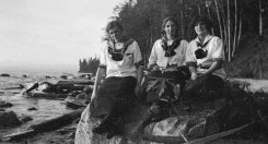 Phyllis Munday, left, and companions, circa 1910. BC Archives.